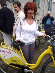 Angajata a Primariei si bicicleta