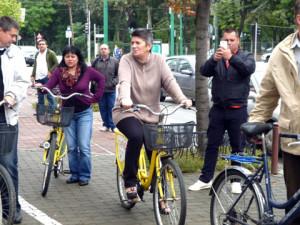 Angajati ai Primariei pe biciclete (4)