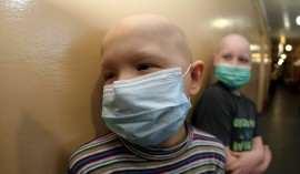 Copil bolnav de leucemie