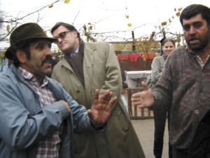 ambasadorul henri paul inspectand fermele tiganilor
