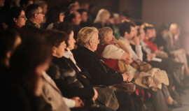 Public spectator
