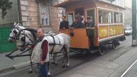 Mircea Baniciu in tramvai tras de cai