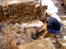 arheologi sapaturi curte castel huniade (4)