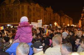 Parinti cu copii la protest Timisoara Foto Ligia Hutu