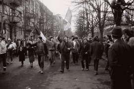 Muncitori in strada decembrie 1989 Foto Costi Duma