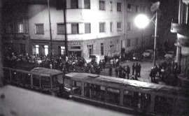 Tramvai oprit la Timisoara decembrie 1989