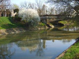 Canal Bega
