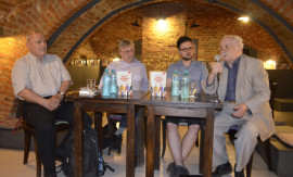 Mircea Mihaies, Vladimir Tismaneanu, Marius Stan si Cornel Ungureanu (4) Foto Ligia Hutu