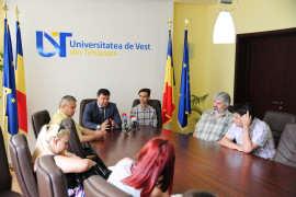 Ionut Piscureanu si conducerea UVT Foto UVT