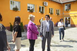 Rodica Cojan si Nicolae Robu la Centrul Social de Urgenta Timisoara Foto Ligia Hutu