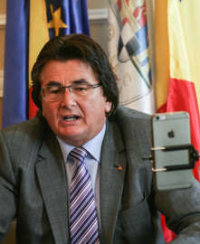 Nicolae Robu vorbind la conferinta presa (o) Foto Constantin Duma