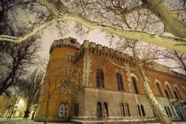 Castelul-Huniazilor Foto romaniaredescoperita