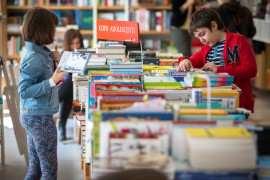 Copii si carti Foto carticusuflet.ro