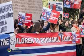 Protest sustinere familia Bodnariu Foto rodiagnusdei.wordpress