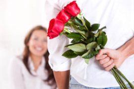 barbat cu flori